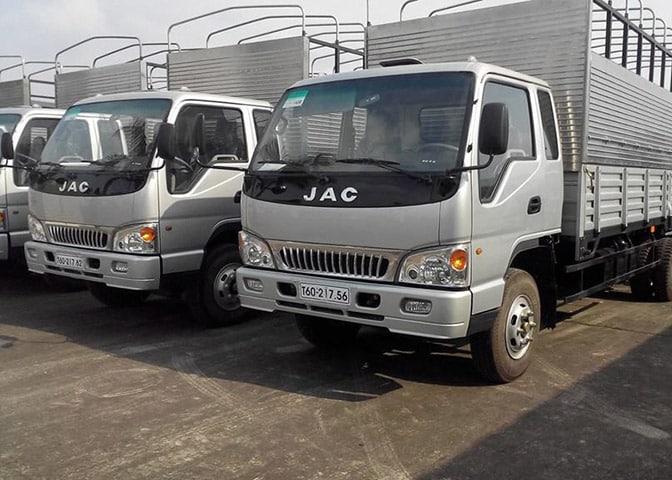 Đội ngũ xe tải của công ty Dịch Vụ Dọn Nhà
