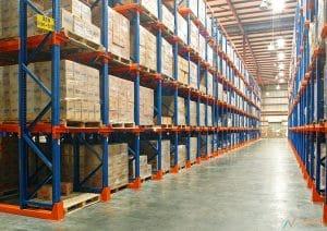 Kho xưởng để sắp xếp đồ đạc khi lưu kho