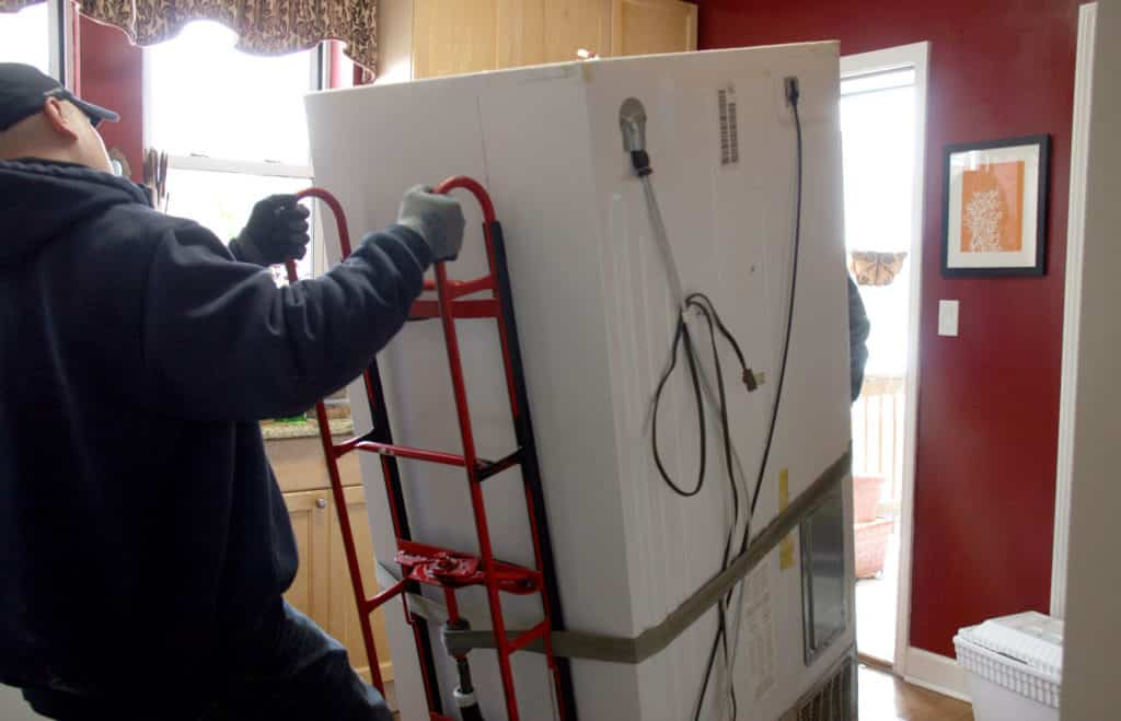 Cẩn thận khi vận chuyển tủ lạnh nhà bạn