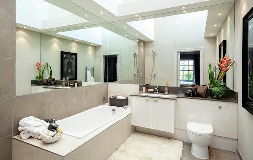 Gương để trong nhà vệ sinh không được đối diện trực tiếp toilet