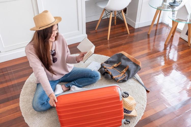Đồ đạc ít sử dụng bạn nên bán hoặc cho đi để giảm nhẹ cho quá trình vận chuyển