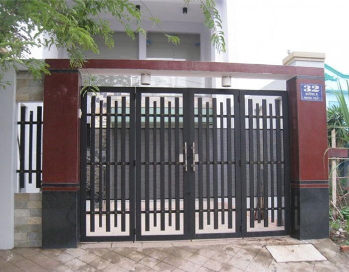 Cổng có 4 cánh cửa