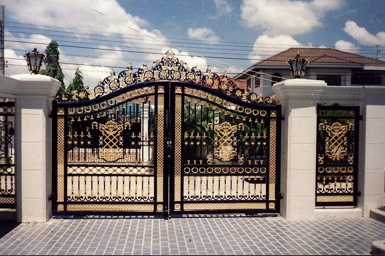 Cổng nhà 2 cánh cửa