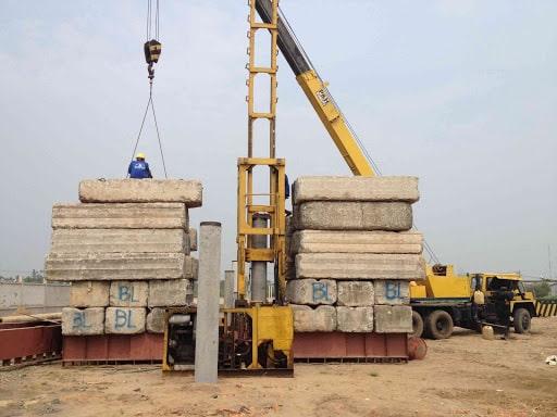 Vận chuyển cọc bê tông cho công trình xây dựng quận 8