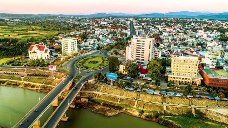 Dịch vụ cho thuê xe tải chở hàng Sài Gòn - Kon Tum