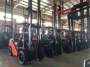 Dịch vụ cho thuê xe nâng hàng giá rẻ huyện Bình Chánh tphcm