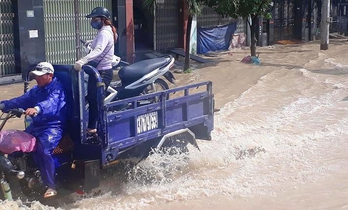 Xe ba gác không bảo vệ đồ đạc của bạn khi trời mưa