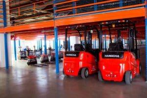 Dịch vụ cho thuê xe nâng hàng giá rẻ huyện Hóc Môn