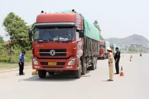 Xe tải vượt tải trọng