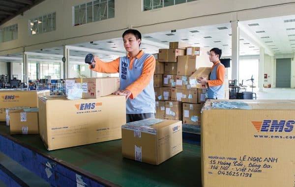 cách đóng gói hàng hóa gửi bưu điện hiện nay