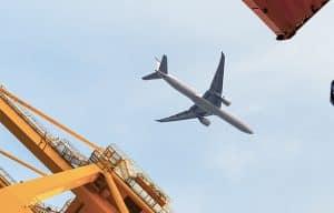 Những nhược điểm của ngành vận chuyển hàng không