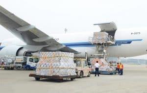 Ưu điểm của việc sử dụng dịch vụ vận chuyển hàng không