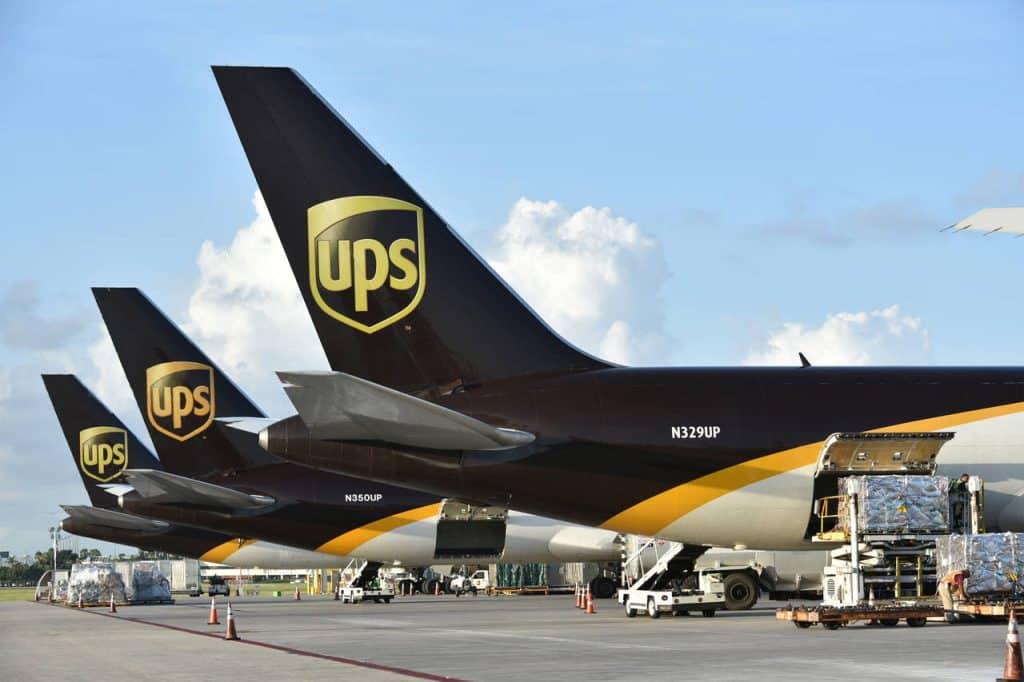 Vận chuyển đường hàng không là gì