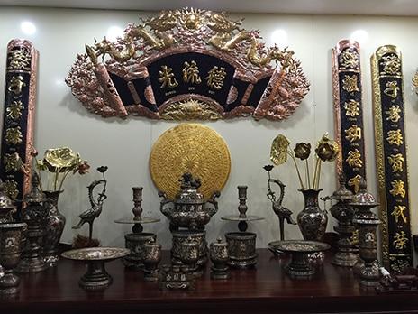 Hướng dẫn cách bài trí bàn thờ có đỉnh đồng đúng cách Cach-bai-tri-ban-tho-co-dinh-dong