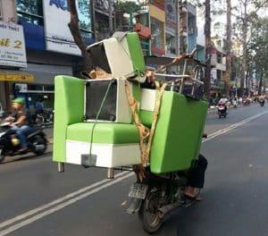 Hướng dẫn cách chở hàng bằng xe máy đơn giản