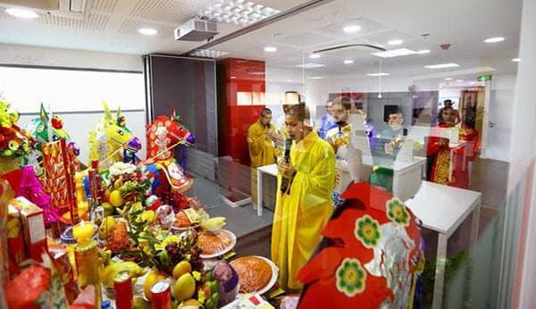 Mẫu văn khấn nhập trạch văn phòng thông dụng nhất năm Tân Sửu