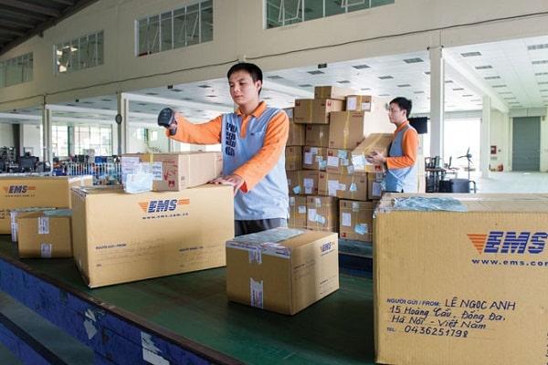 [Hướng dẫn] Cách gửi hàng qua bưu điện thu tiền hộ