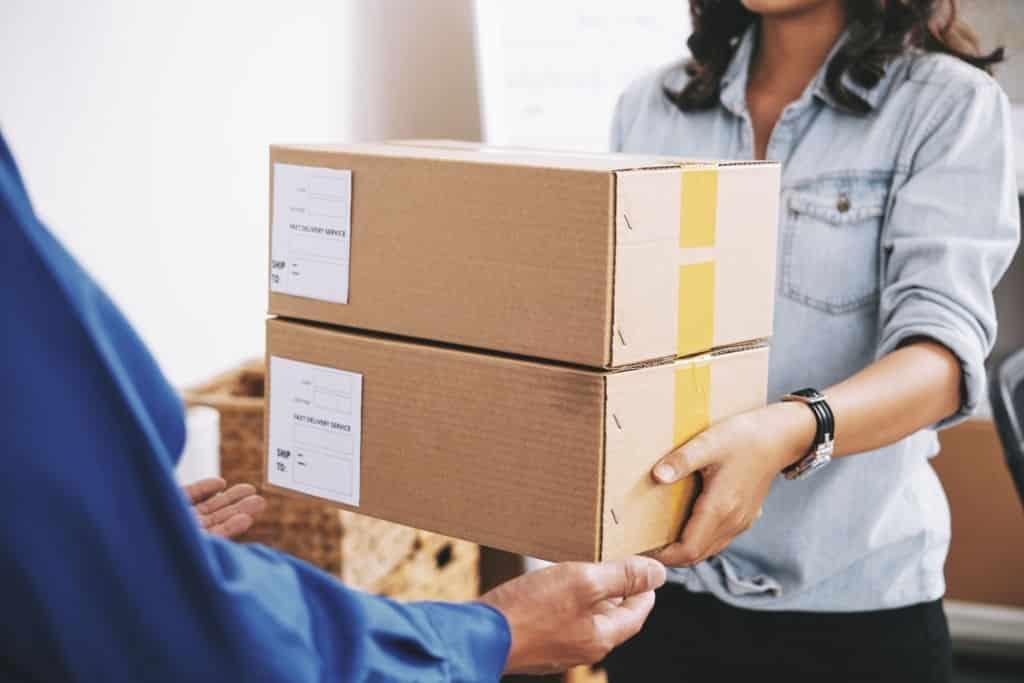 Hàng ký gửi là gì? Những điều kí gữi hàng hoá bạn nên biết