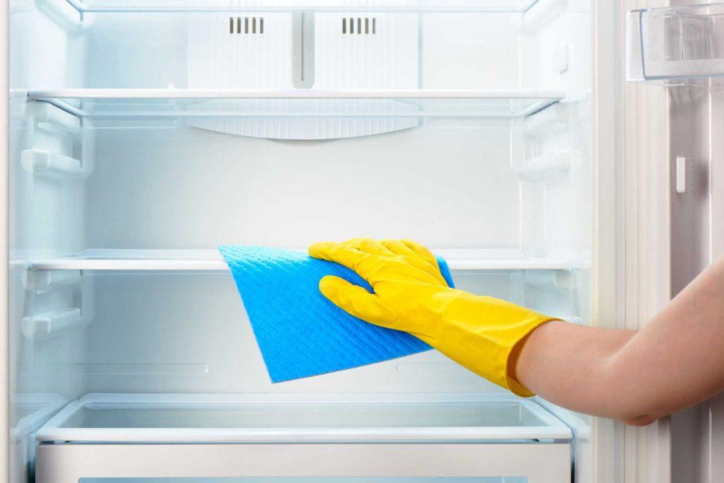 Vệ sinh tủ lạnh đúng cách và bảo quản thực phẩm