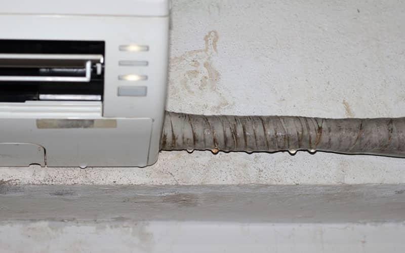 Tình trạng máy lạnh chảy nước đang khá phổ biến